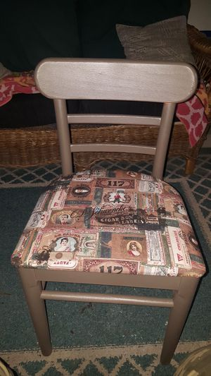 chair for Sale in Appleton, WI