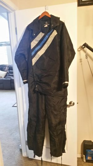 1 piece cold weather suit for Sale in Roosevelt, AZ