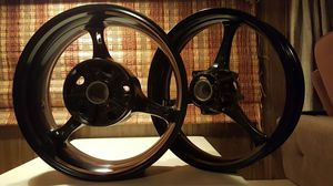 Rims for motorcycle kawasaki 850 cc or 1000cc for Sale in Chicago, IL