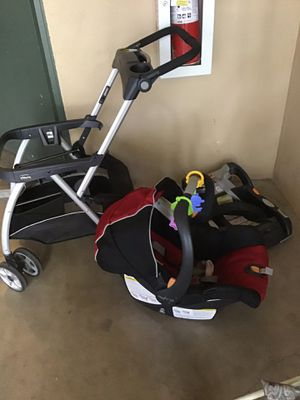 CHICCO STROLLER+CAR SEAT with bass for Sale in Modesto, CA