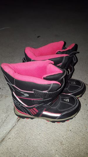 Kids snow boots for Sale in Compton, CA
