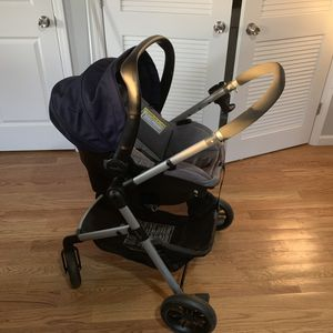 Evenflo Pivot Travel System for Sale in Staten Island, NY