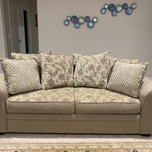 Sofa, Loveseat and Chair in excellent condition for Sale in San Diego, CA