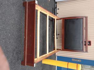 Queen bed frame for Sale in Hyattsville, MD