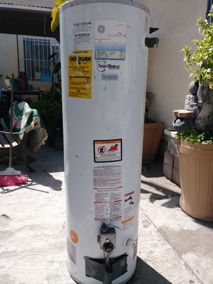 GE 40 gallon water heater for Sale in Huntington Park, CA