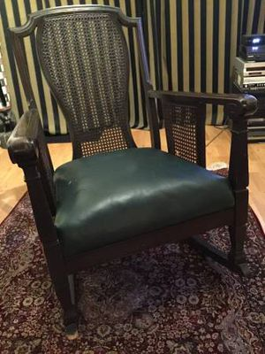 1930s vintage rocking chair antique for Sale in Chicago, IL