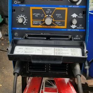 Welder Miller XMT 304 for Sale in Levittown, NY