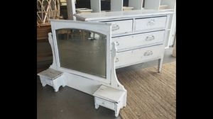 Antique dresser with mirror for Sale in Sandy, OR