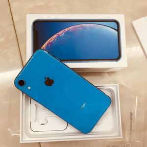 iPhone Xr Unlocked $399 for Sale in Houston, TX