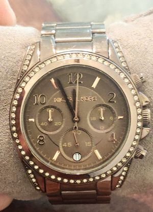 Beautiful Michael Kors Metallic Brown Watch for Women for Sale in Libertyville, IL