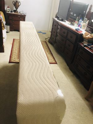 Box spring almost new for Sale in Fulton, MD