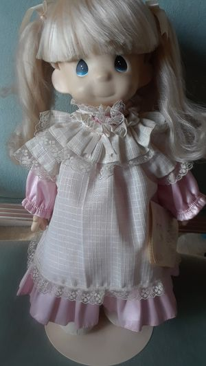 """PRECIOUS MOMENTS VINTAGE DOLL """"MISSY"""" 15"""" TALL GOOD CONDITION for Sale in Morada, CA"""