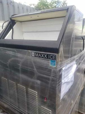 Brand new maxx cold 250lb ice maker ice machine for Sale in Lauderhill, FL