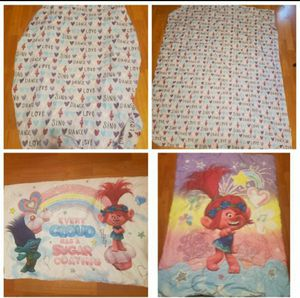 Toddler size troll comforter/sheet set for Sale in Antioch, CA