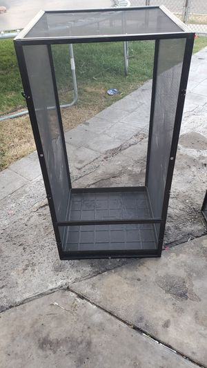 Zoomed screen cage for Sale in Buena Park, CA