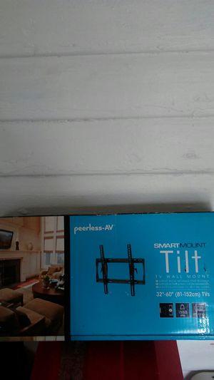 Peerless av smartmount tilt tv wall mount for 32-60 inch tvs for Sale in Orlando, FL