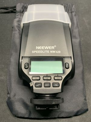 Neewer NW320 Mini TTL Speedlite Flash Automatic Flash for Sale in Colton, CA