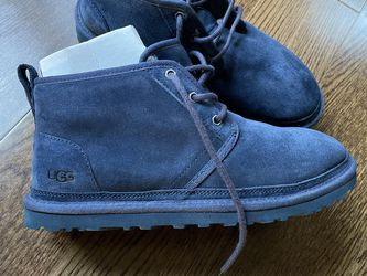 Men Ugg's Size 9.5 for Sale in Bowie,  MD