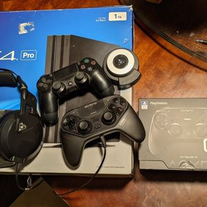 Ps4 Pro Bundle for Sale in Fresno, CA