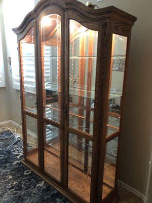 Curio cabinet for Sale in Surprise, AZ