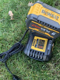Dewalt Flexvolt 9ah Battery & 6amp Charger for Sale in Gresham,  OR