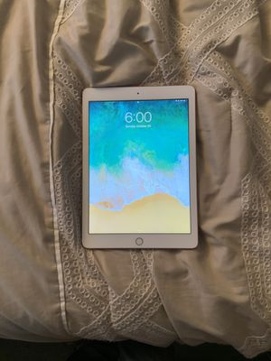 Apple IPad (6th generation ) In great condition for Sale in Portland, OR