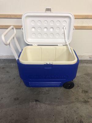IGLOO COOL ROLLER 38 QUART COOLER for Sale in Rancho Santa Margarita, CA