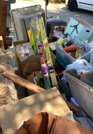 ****FREE***STUFF*** KIDS, BABY***CLOTHES***TOYS for Sale in Long Beach, CA