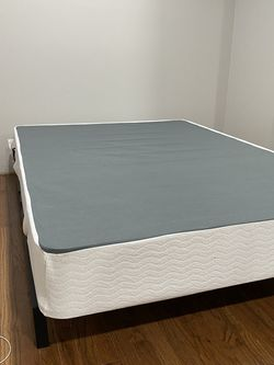 Full Size Metal Box Spring for Sale in Hanover,  MD