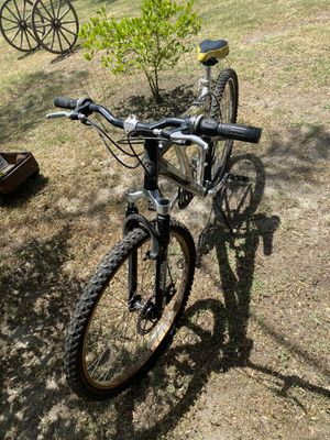 Mongoose XR200 Aluminum 21 speed for Sale in Cypress, CA