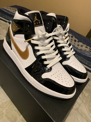 "Jordan 1 mid ""Patent White, Black, Gold"" Size 8.5 for Sale in Compton, CA"
