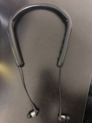 Sony WI-1000X headset for Sale in Houston, TX