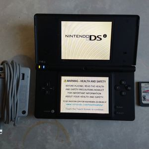 Great Condition Nintendo DSi Comes With Mario Kart Game And Charger for Sale in El Monte, CA