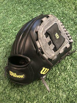 "12"" Wilson Baseball/Softball Glove Right Hand Throw for Sale in Houston, TX"