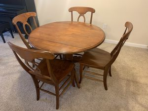 Dining room table and 4 chairs for Sale in ERIE, PA