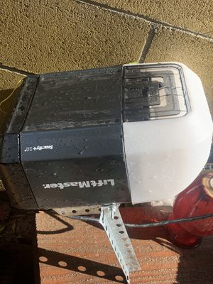 Garage doors opener liftmaster and chamberlain for Sale in Commerce, CA
