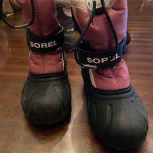 Snow Boots Kids for Sale in Las Vegas, NV