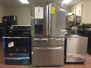 4pcs Brand new scratch and dent package deal Whirlpool stainless steel high-end kitchen stainless steel appliances with 1 year warranty free delivery for Sale in NW PRT RCHY, FL