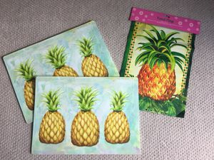 Pineapple placemats and garden flag for Sale in Miami, FL