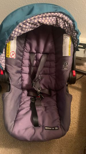 Car seat for Sale in Mountlake Terrace, WA