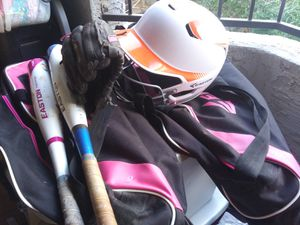 Girls softball bat, bag, left hand glove, helmet for Sale in Phoenix, AZ
