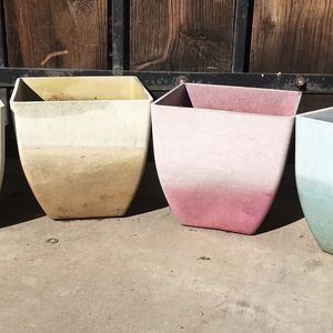 Hard Plastic Planters/Flower Pots (4) for Sale in Phoenix, AZ