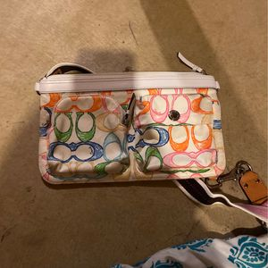 coach purse for Sale in West Jefferson, OH
