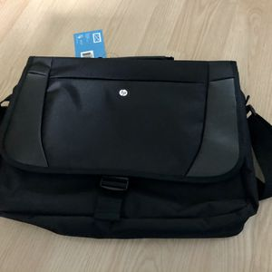 HP Essentials Messenger Case Notebook Carrying Case 17.3 for Sale in Fort Lauderdale, FL