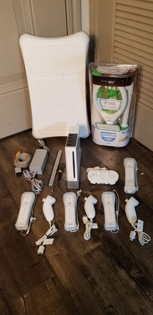 Nintendo Wii + 5 Controllers + 19 Games + Wii Balance Board for Sale in Austin, TX