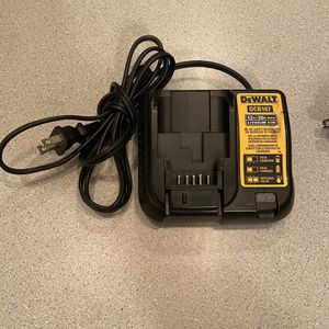 Dewalt 12v/20v Charger Very Good Condition for Sale in Lombard, IL