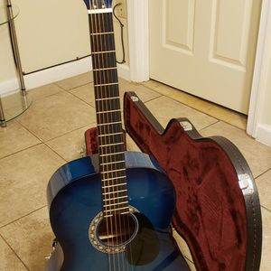 Rogue Fine Instruments Guitar With Hard Case for Sale in Hyattsville, MD