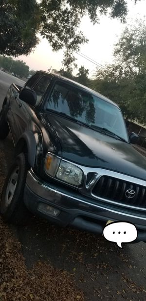 2001 Toyota tacoma for Sale in Fresno, CA