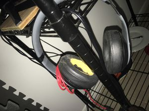 Studio beats needs 1 ear muff works perfect come get 40 dont use anymore i dont like over the head head phones was a gift last Christmas for Sale in Knoxville, TN