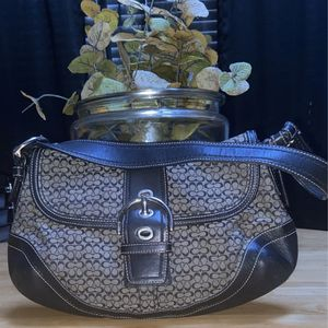 Coach Hobo Bag •Authentic• for Sale in Houston, TX